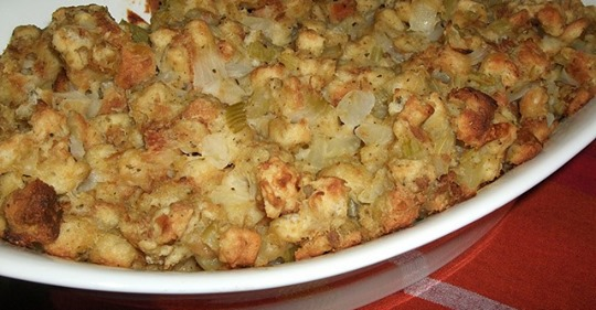Traditional, Classic Thanksgiving Stuffing